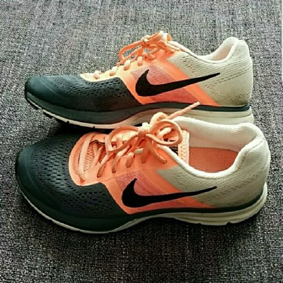 bda480518493 NIKE Pegasus 30 Women s Fitsole Running Shoes. M 5b817879619745d66a87a099